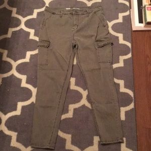 High rise cargo jeggings